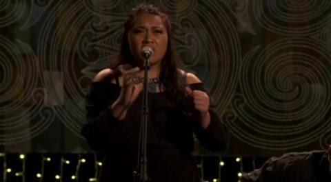 Video for Waiata, 1 Ūpoko 16
