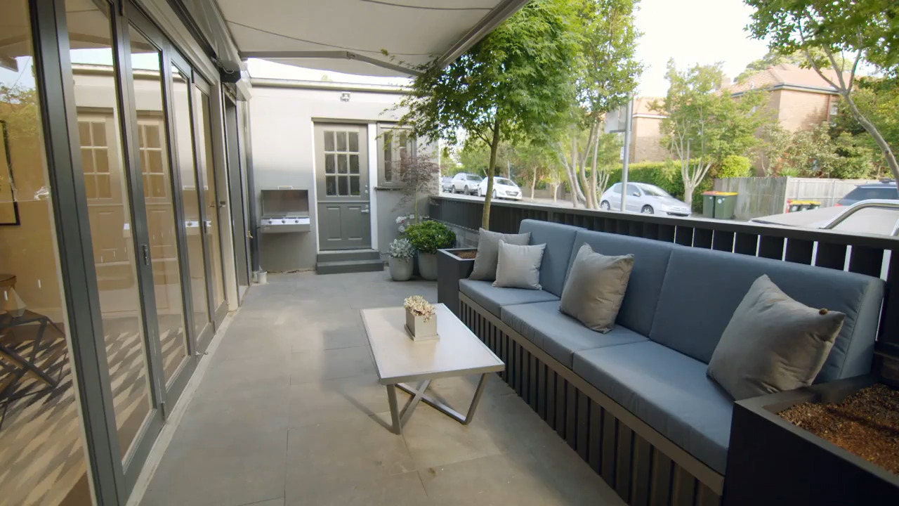Thumbnail of Outdoor entertaining with style