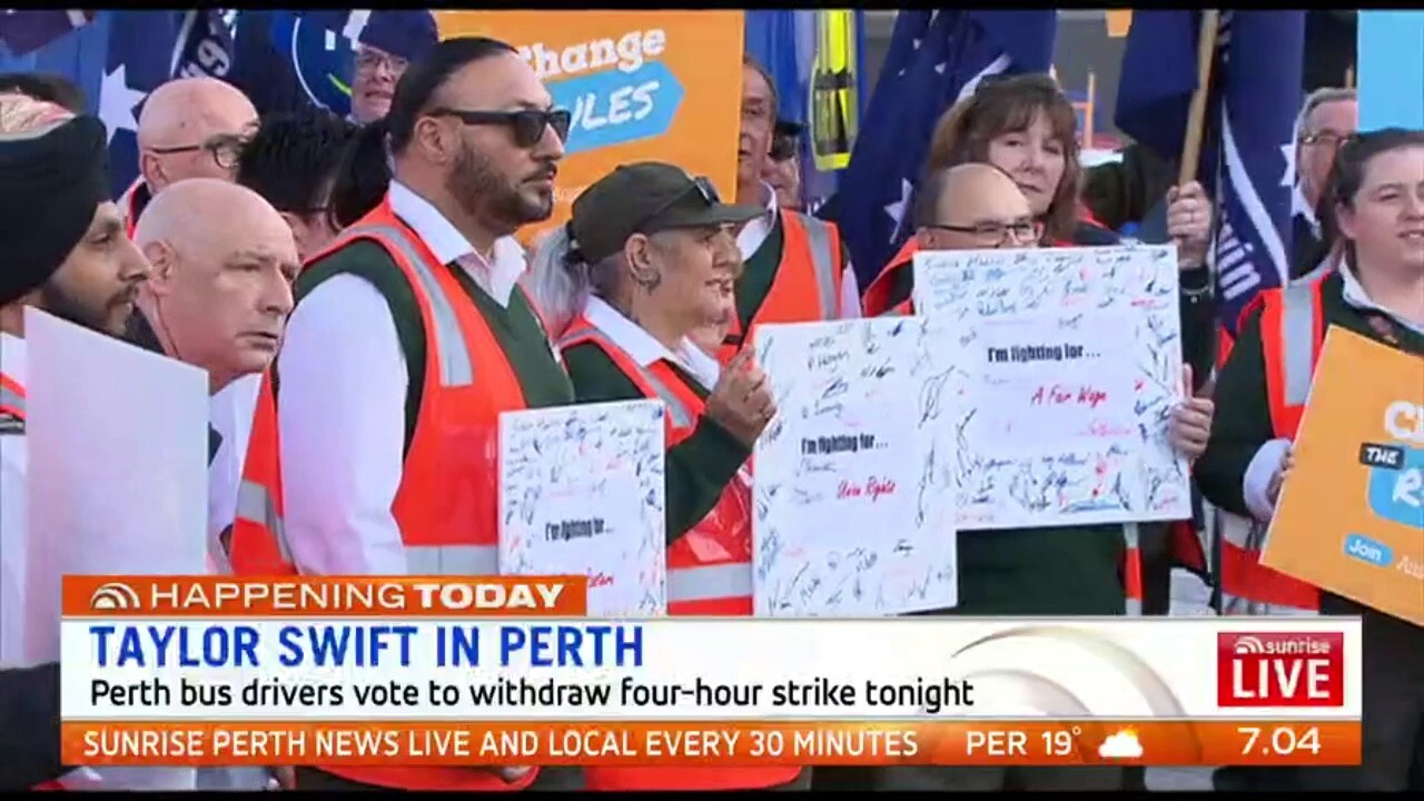 Perth bus drivers have voted to withdraw from a four-hour strike tonight to minimise disruption for Taylor Swift fans attending her concert
