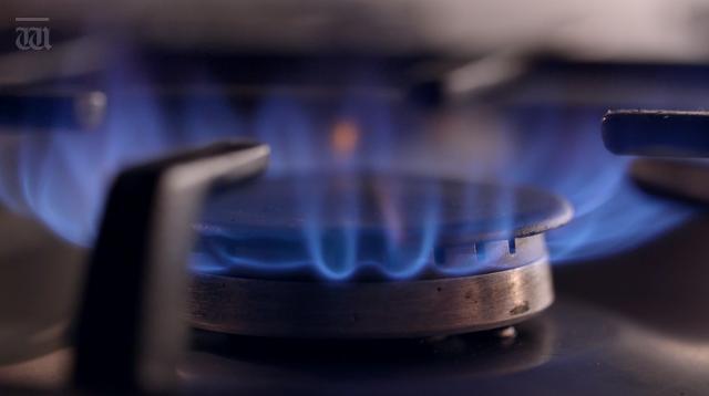 Gas retailer Alinta Energy sold to Hong Kong-based Chow Tai Fook Enterprises.
