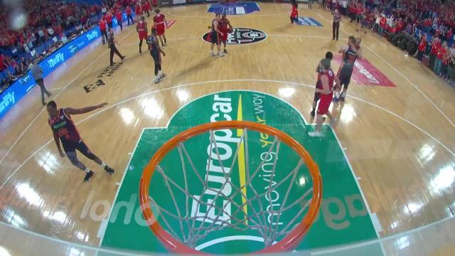 Cairns import banned by NBL for a year after throwing ball at referee.
