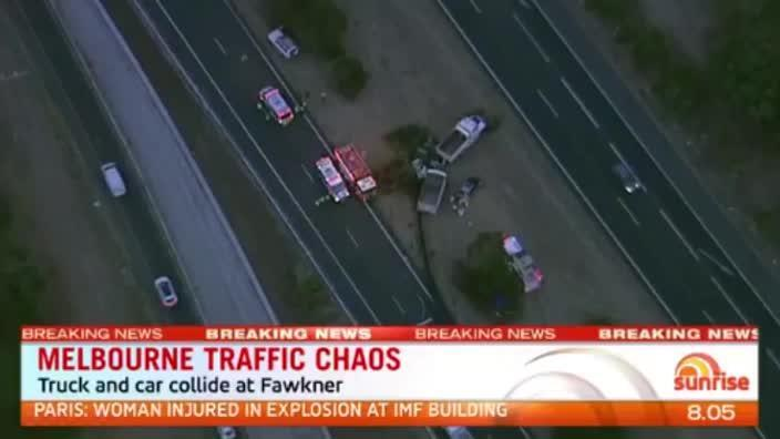 Fatal crash on the Calder Freeway causes Melbourne traffic