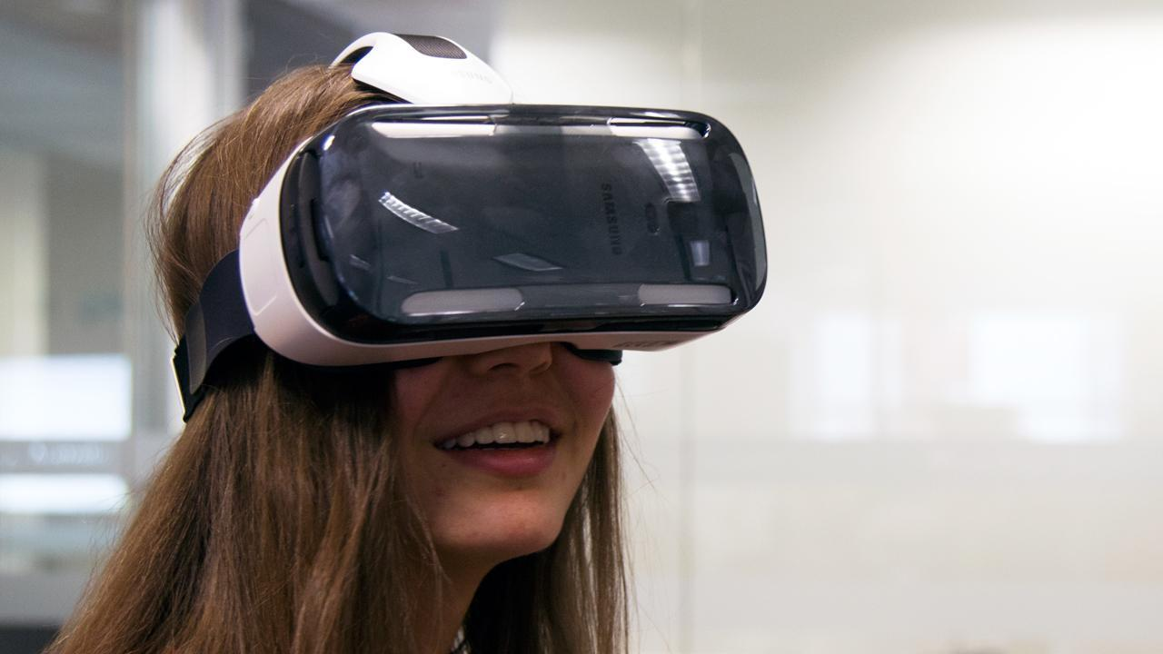 360 Degree Virtual Reality Headset Will Blow Your Mind