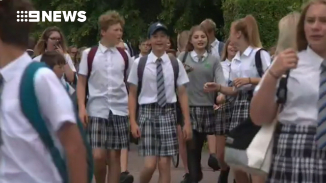 New Zealand school bans girls from wearing tights - 9Honey