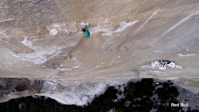 Taft Point Yosemite Valley fall: Travel bloggers who fell