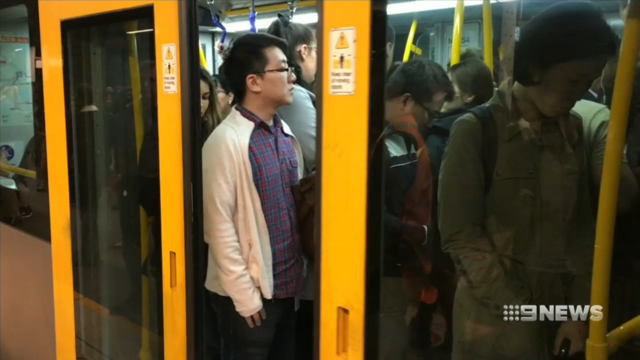 Sydney train chaos extends to the afternoon commute with major service disruption