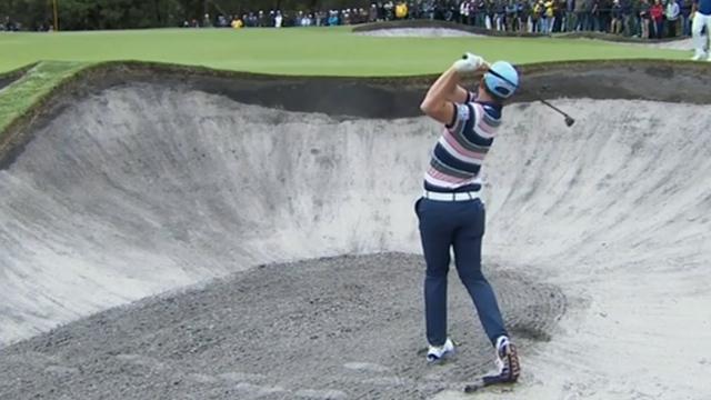 Smith plays delightful bunker shot